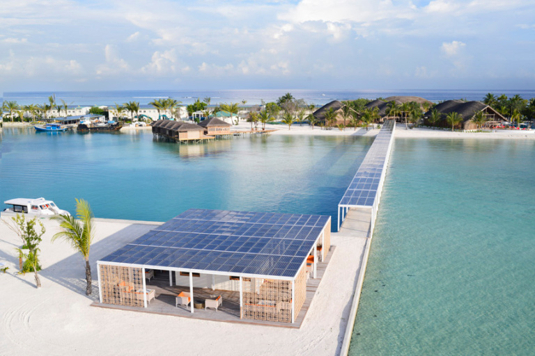This image has an empty alt attribute; its file name is club-med-finolhu-villas-solar-panel-jetty.jpg